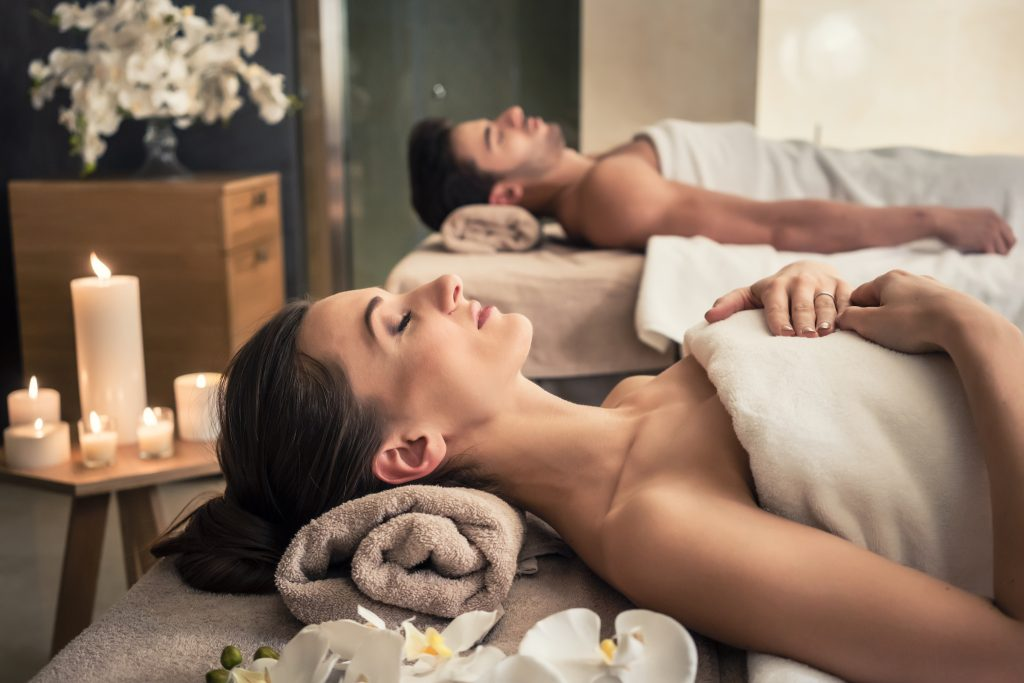 couple receiving a cbd massage