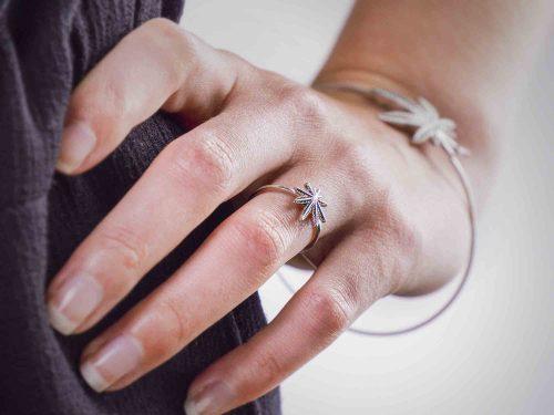 marijuana leafed silver ring