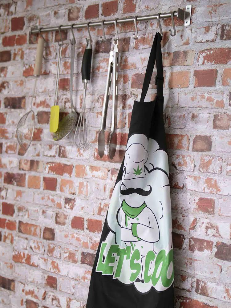 Cannabis Apron Black By Cannadish