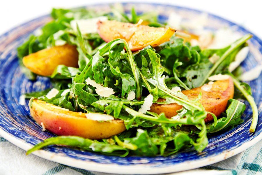 grilled-pot-peach-salad