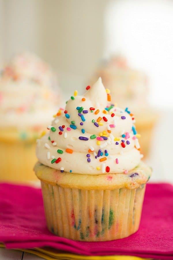 cannabis-confetti-cupcakes