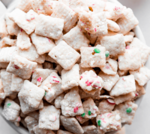 Peppermint-Crunch-Pot-Puppy-Chow-Recipe-Cannadish